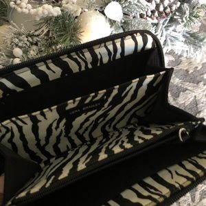 Vera Bradley solid black quilted full zip wallet